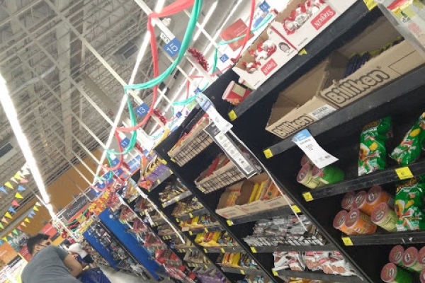 Supermercados no podrán exhibir alimentos ultraprocesados en zona de cajas