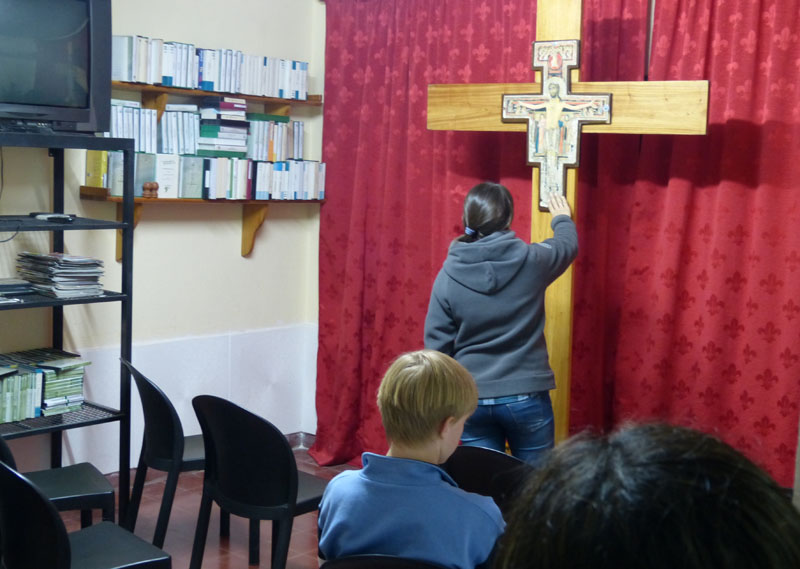 Llegó a Cerrito la cruz bendecida por el Papa Francisco