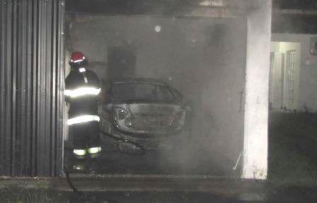 auto quemada cerrito 2