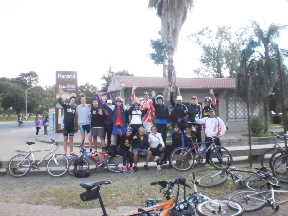 Bicicleteada del Día del Amigo en Cerrito
