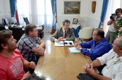 Se analizan mejoras para la explotación turística de las costas de Puerto Curtiembre