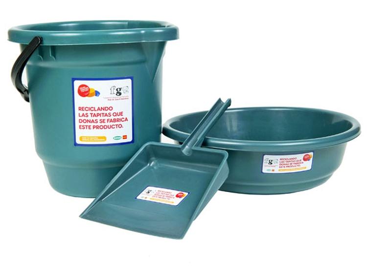 La fundación Garrahan presenta el Ecokit hecho con tapitas plásticas