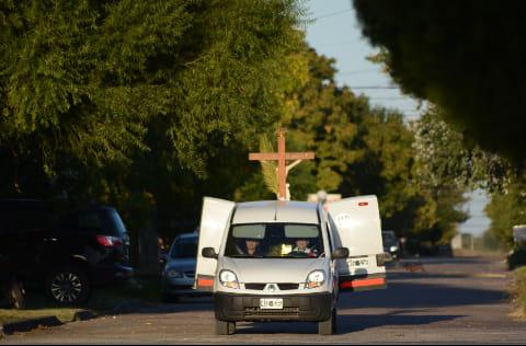 El párroco de Cerrito peregrinó por las calles de Cerrito