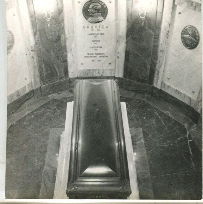 Muere asesinado el gobernador Justo José de Urquiza